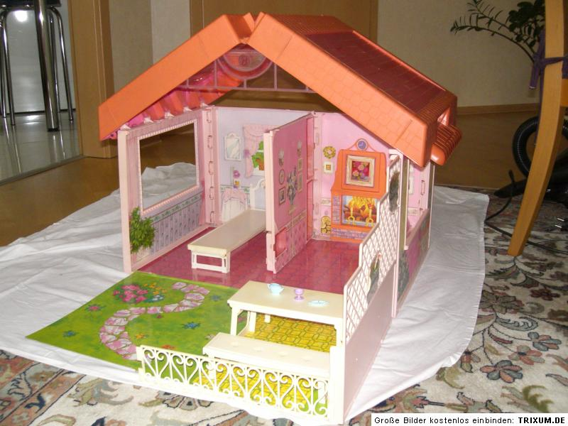 barbie klapphaus barbie haus im koffer puppenhaus ebay. Black Bedroom Furniture Sets. Home Design Ideas